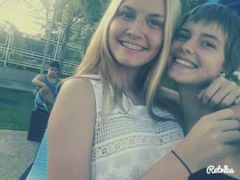 Foto1 con mi hermana  Naomi!! :3