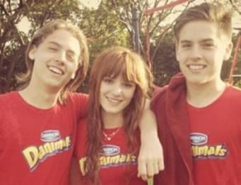 la adoro porque es amiga de Cole y Dylar Sprouse