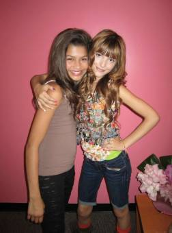 i love shake it up.