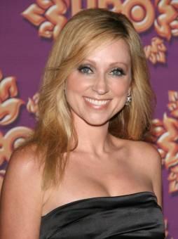 Amy Duncan--Leigh Allyn Baker--35 años