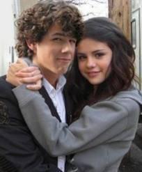 Nick Jonas y Selena Gomez