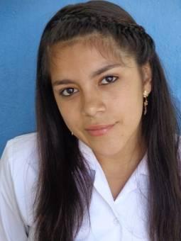 Candidata de Bachillerato Marie Elizabeth