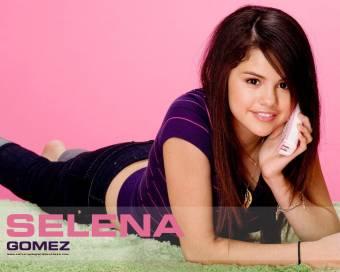 Selena Gomez (Los hechiceros de waverly place) 16 años