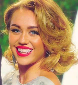 Miley Cyrus :3