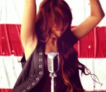 Porque sus canciones son lo màs!!!!.