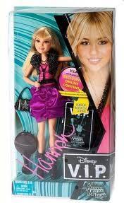 Porque tiene su propia muñeca