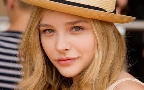 Chloë Grace Moretz (15).