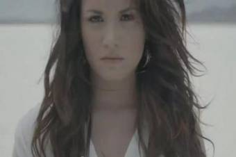 Demi Lovato - Skyscraper