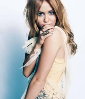 Miley Asombrosa Como Siempre Cyrus