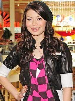 Miranda Cosgrove (Carly Shay)