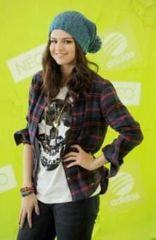 Selena Gomez (hermosa, talentosa, solidaria, luchadora, etc)