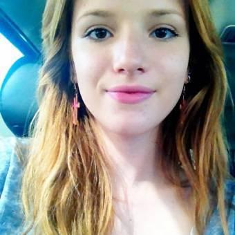 Más o menos nos gusta Bella por ser guapa con y sin maquillaje