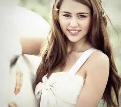 Miley Cyrus tiene mejor sonrisa