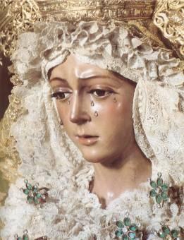 Virgen de la Macarena ( Sevilla )
